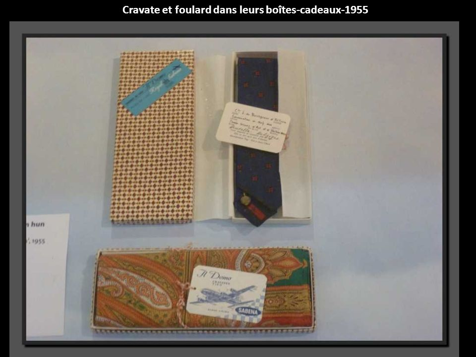 Cravate et foulard dans leurs boîtes-cadeaux-1955