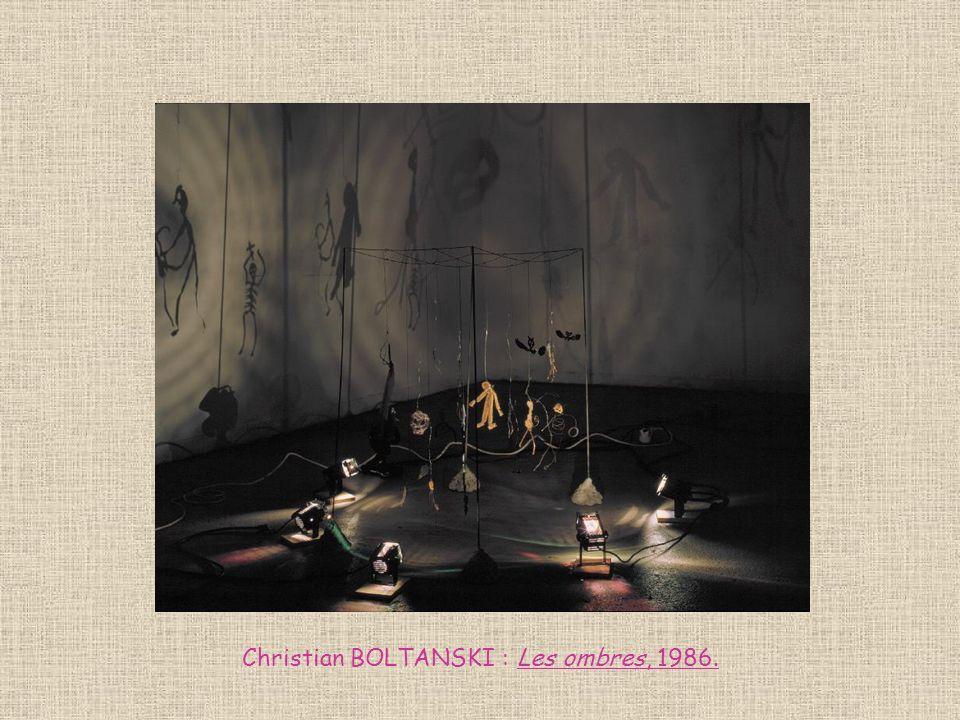 Christian BOLTANSKI : Les ombres, 1986.