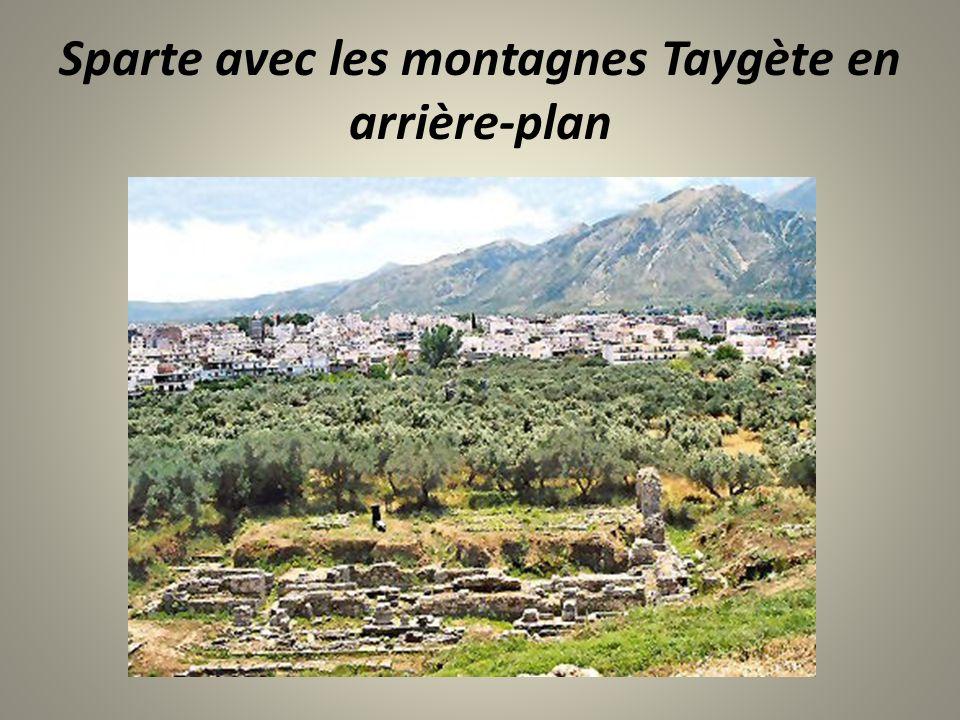 Sparte avec les montagnes Taygète en arrière-plan
