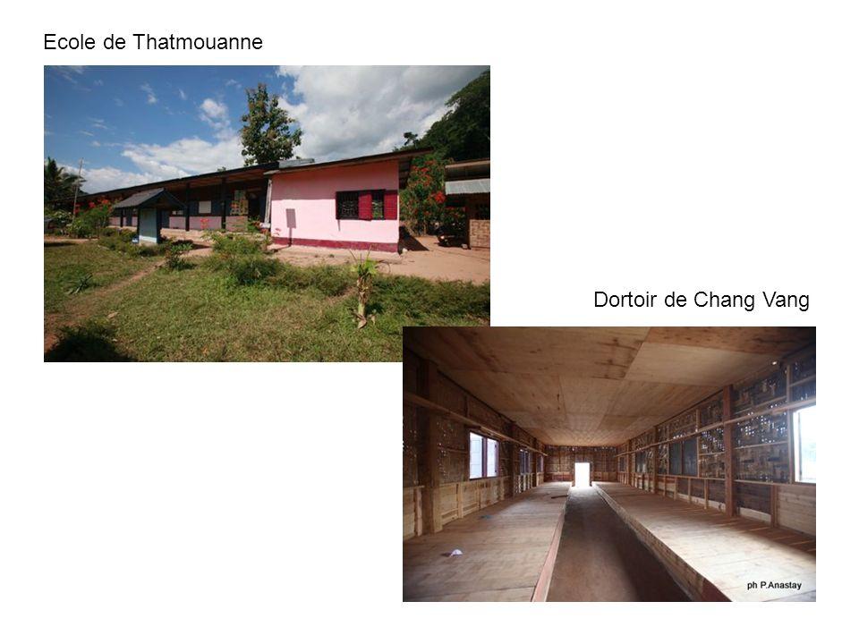 Ecole de Thatmouanne Dortoir de Chang Vang