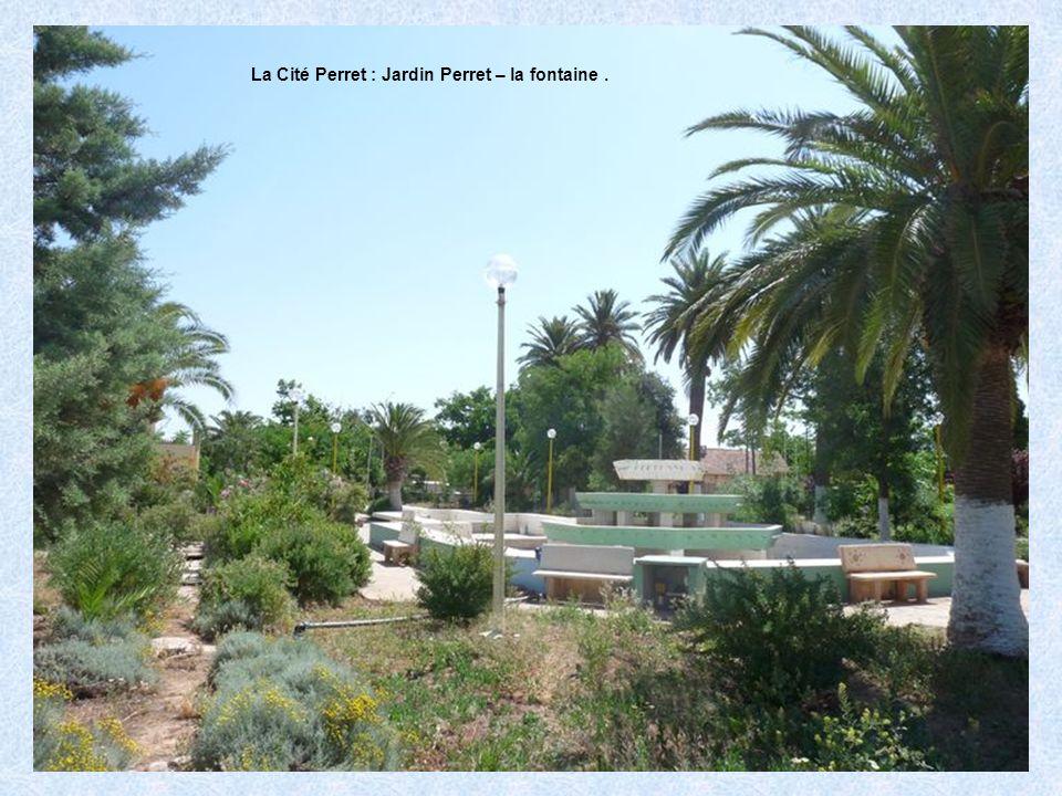 La Cité Perret : Jardin Perret – la fontaine .