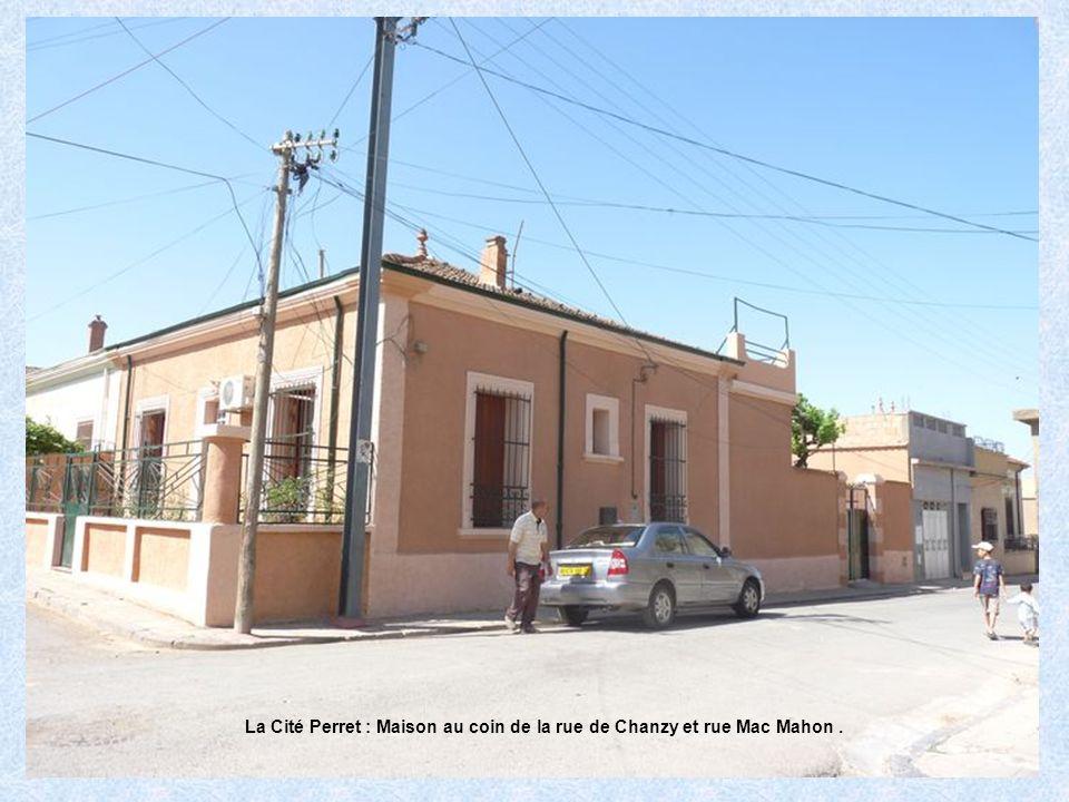 La Cité Perret : Maison au coin de la rue de Chanzy et rue Mac Mahon .