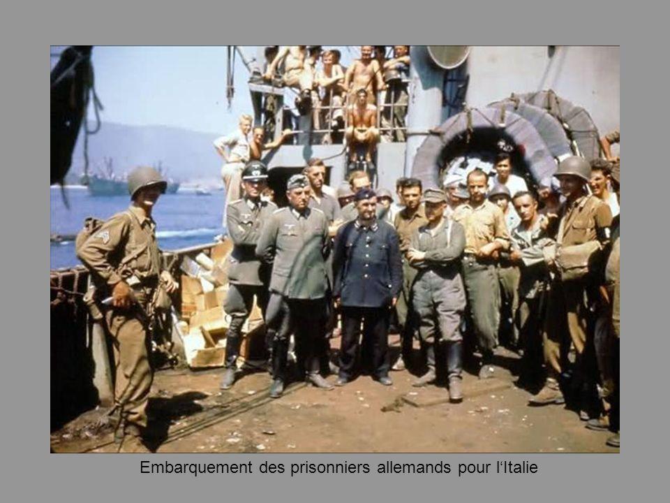 Embarquement des prisonniers allemands pour l'Italie
