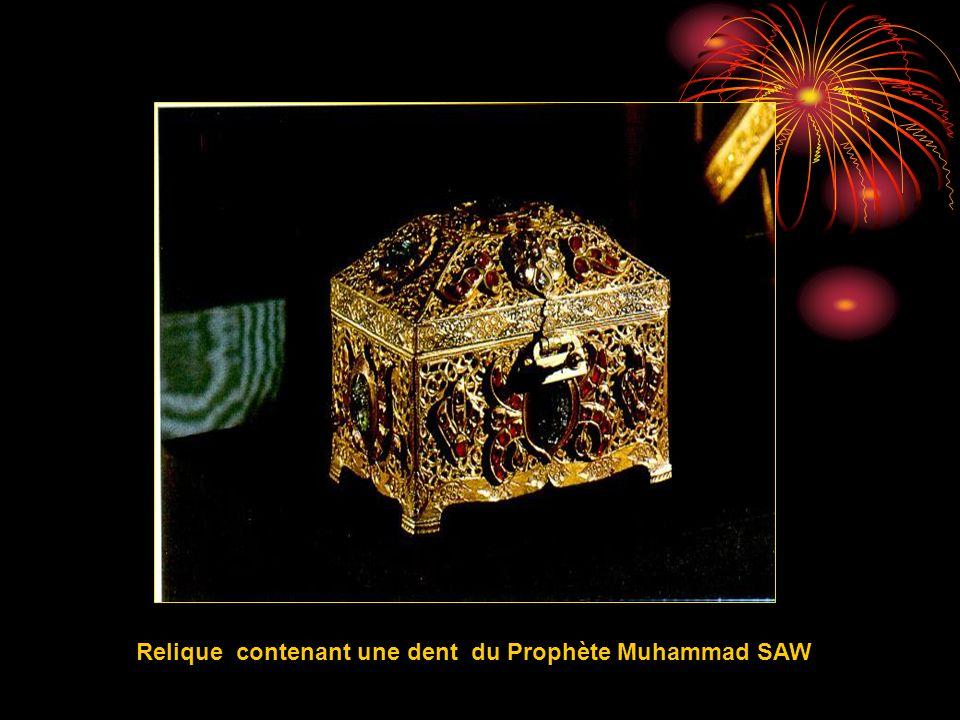Relique contenant une dent du Prophète Muhammad SAW