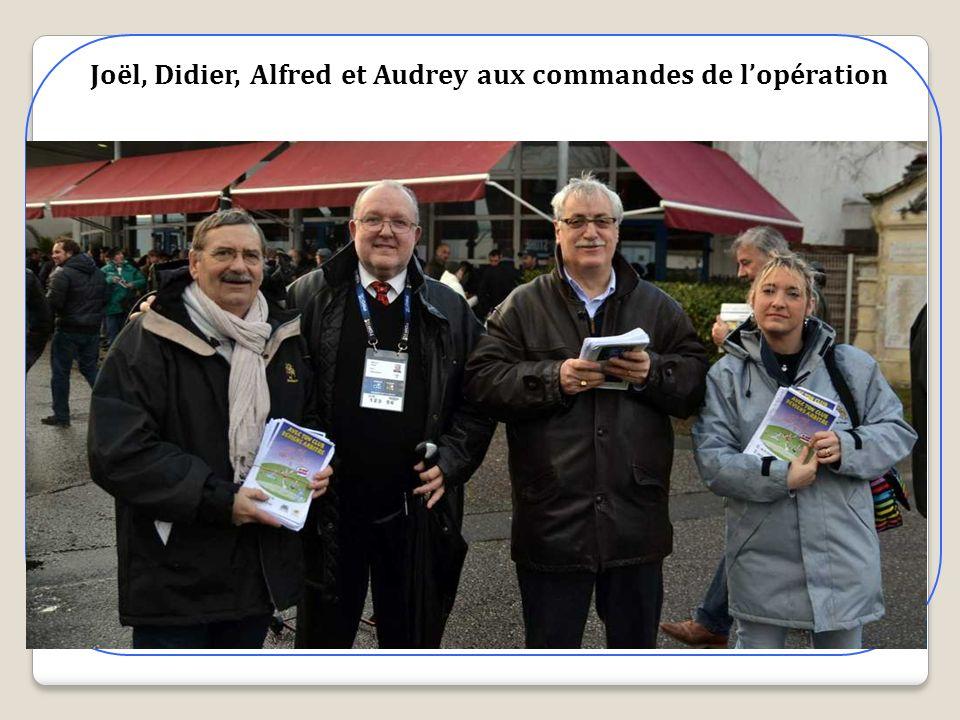 Joël, Didier, Alfred et Audrey aux commandes de l'opération