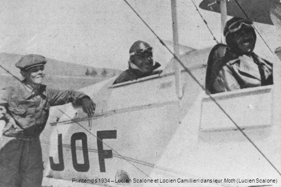 Printemps 1934 – Lucien Scalone et Lucien Camillieri dans leur Moth (Lucien Scalone)