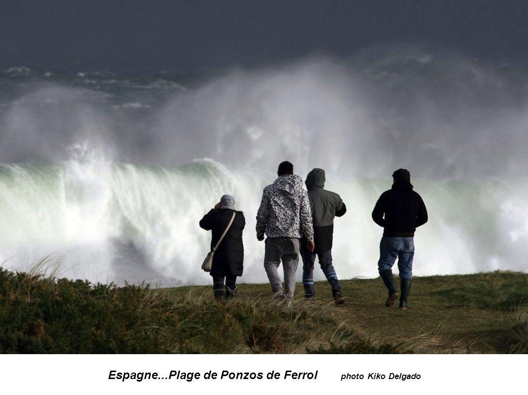 Espagne...Plage de Ponzos de Ferrol photo Kiko Delgado