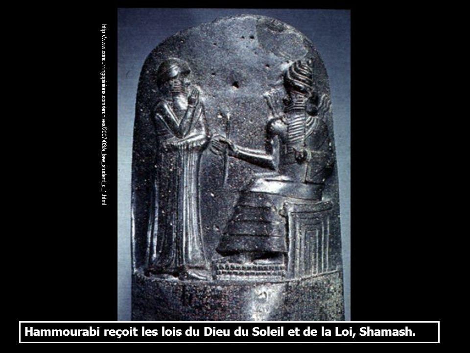 Hammourabi reçoit les lois du Dieu du Soleil et de la Loi, Shamash.