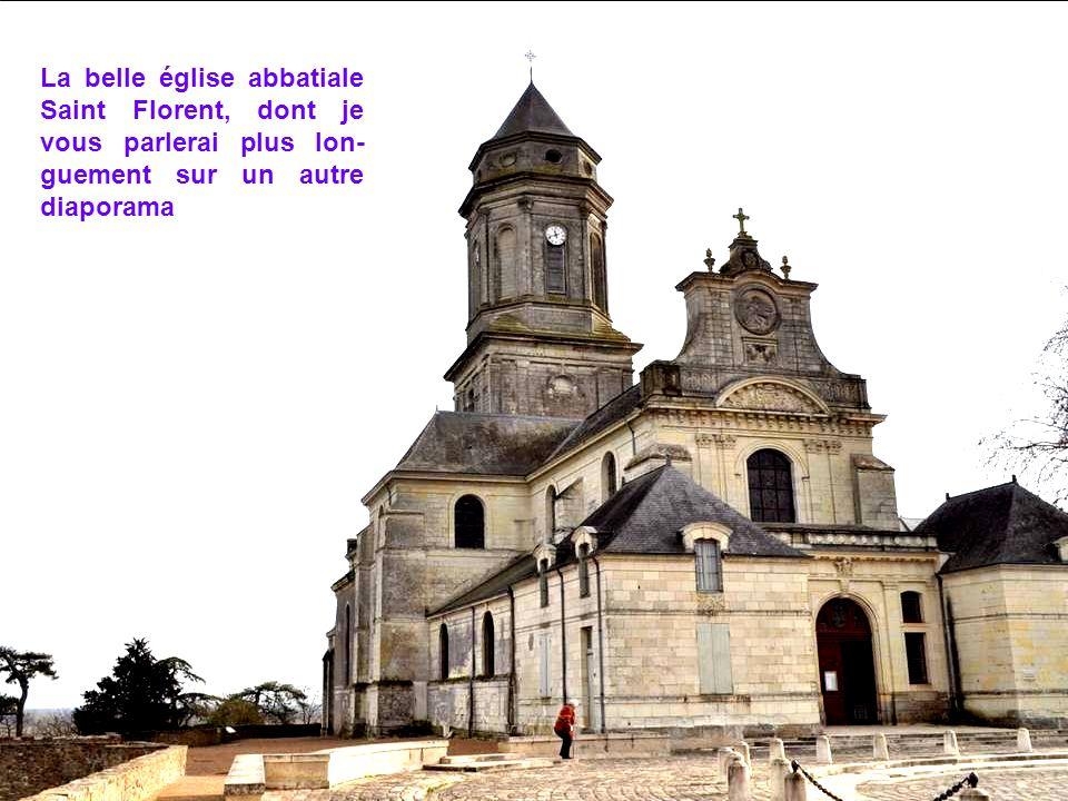 La belle église abbatiale Saint Florent, dont je vous parlerai plus lon-guement sur un autre diaporama