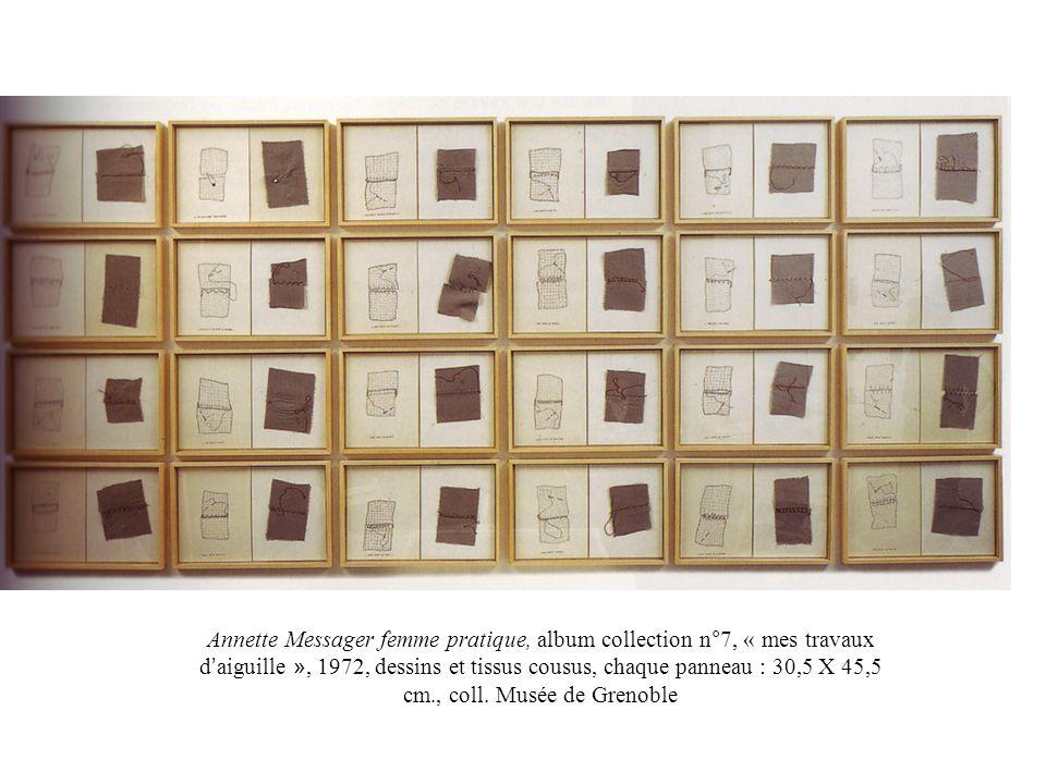 Annette Messager femme pratique, album collection n°7, « mes travaux d'aiguille », 1972, dessins et tissus cousus, chaque panneau : 30,5 X 45,5 cm., coll.