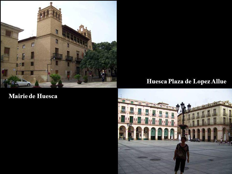 Huesca Plaza de Lopez Allue