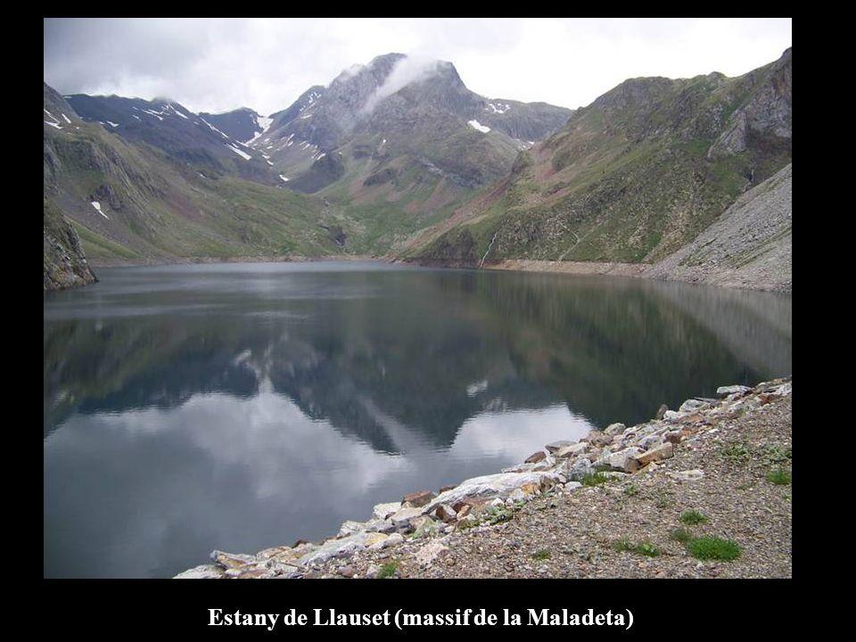 Estany de Llauset (massif de la Maladeta)