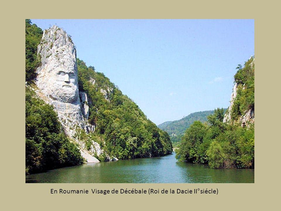 En Roumanie Visage de Décébale (Roi de la Dacie II°siécle)