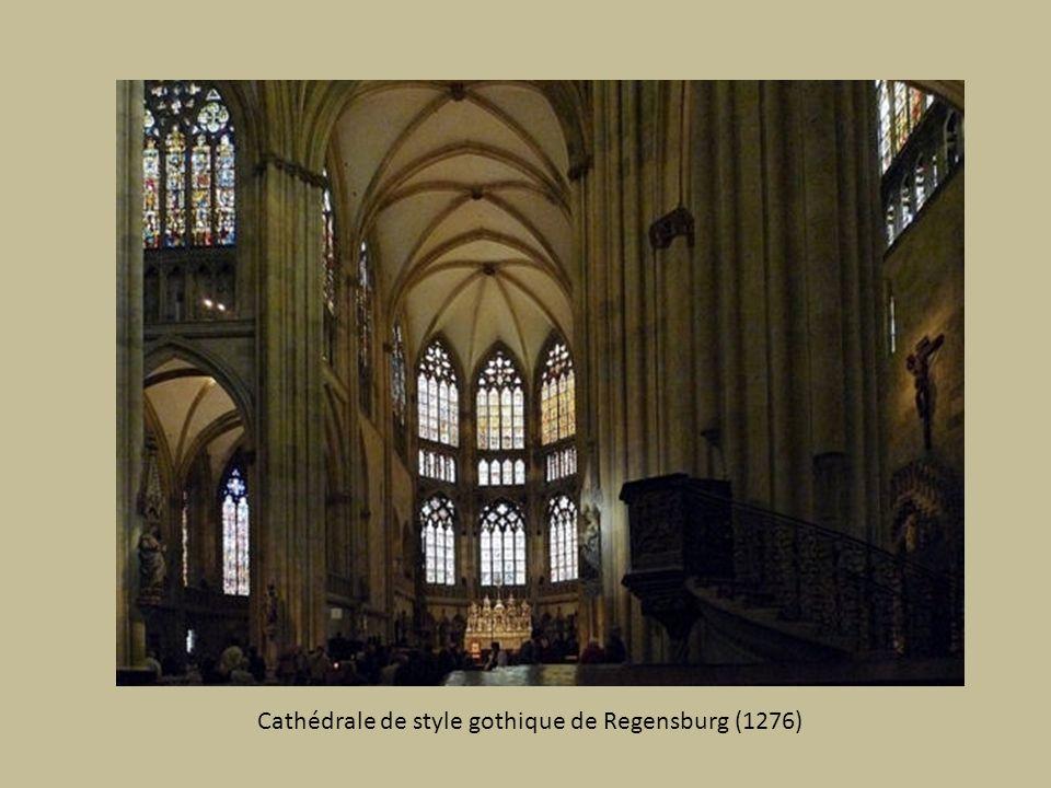 Cathédrale de style gothique de Regensburg (1276)