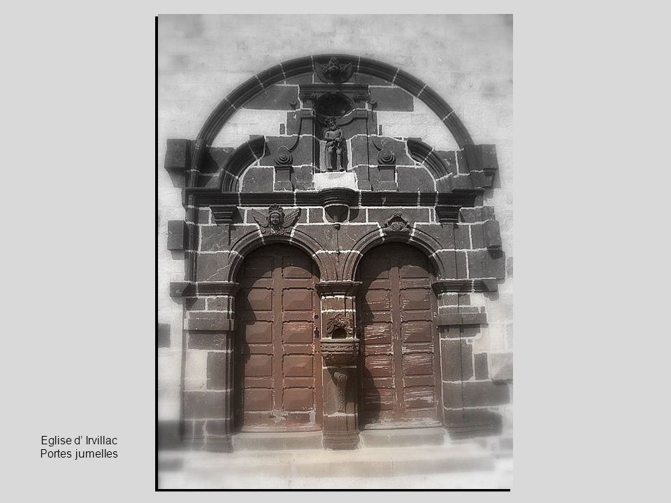 Eglise d' Irvillac Portes jumelles