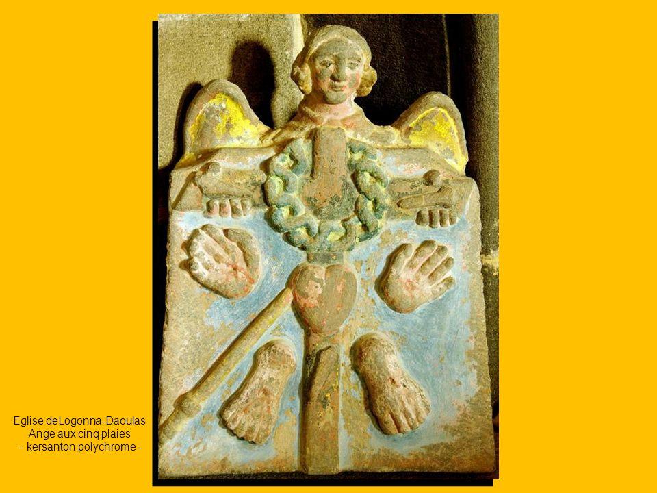 Eglise deLogonna-Daoulas Ange aux cinq plaies - kersanton polychrome -