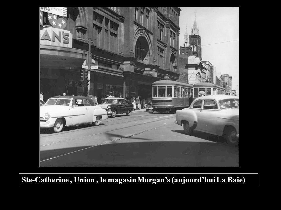 Ste-Catherine , Union , le magasin Morgan's (aujourd'hui La Baie)