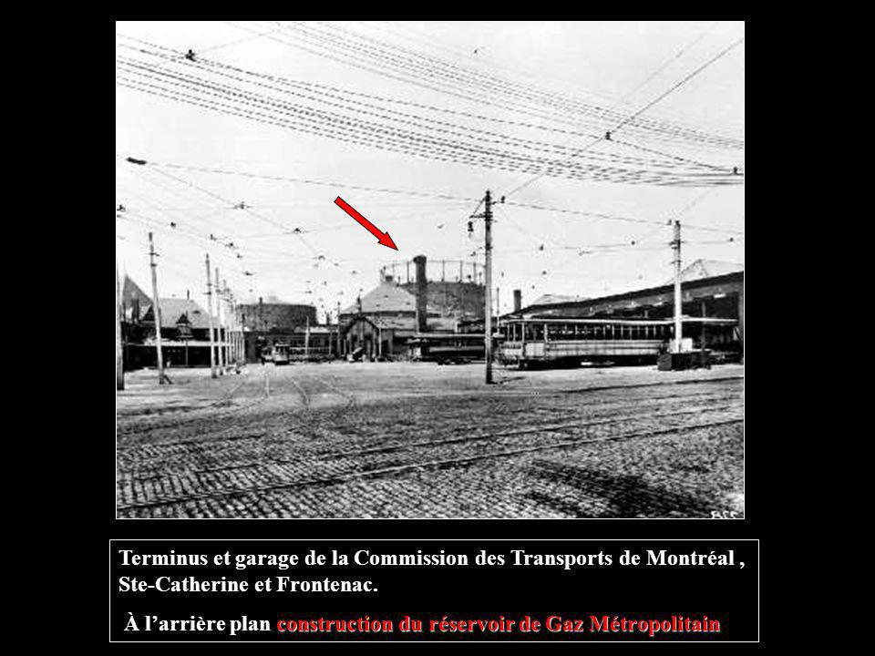 Terminus et garage de la Commission des Transports de Montréal , Ste-Catherine et Frontenac.