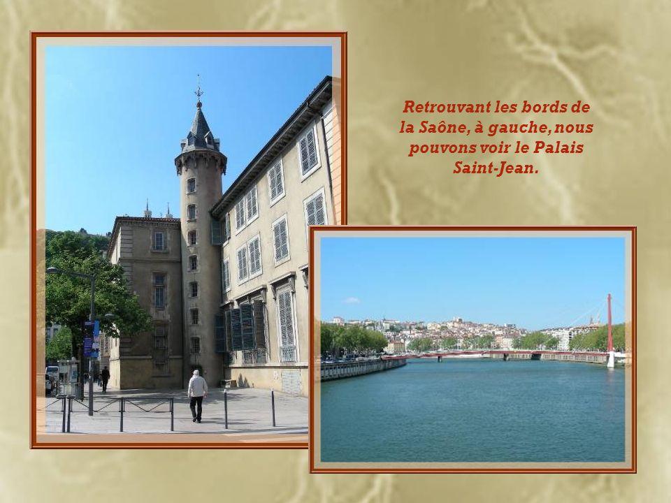 Retrouvant les bords de la Saône, à gauche, nous pouvons voir le Palais Saint-Jean.