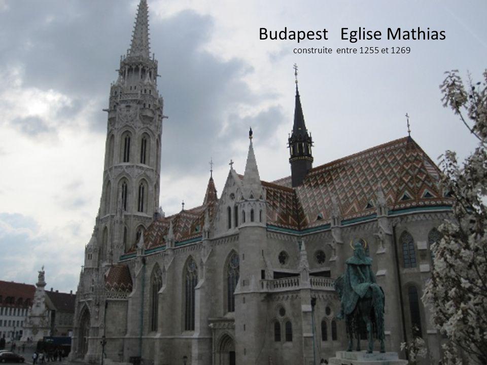 Budapest Eglise Mathias construite entre 1255 et 1269