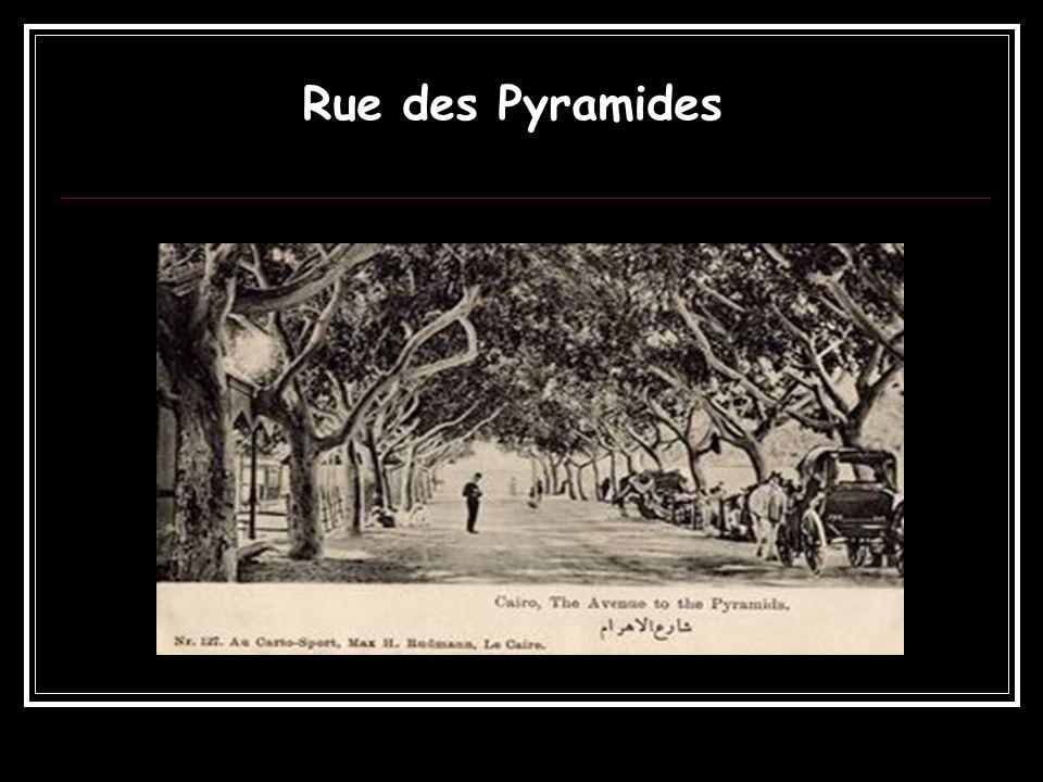 Rue des Pyramides