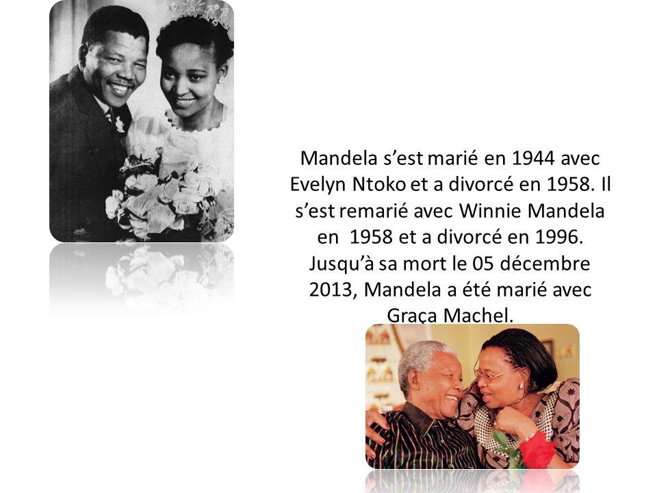 Mandela s'est marié en 1944 avec Evelyn Ntoko et a divorcé en 1958