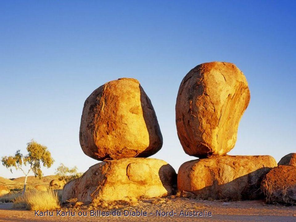 Karlu Karlu ou Billes du Diable - Nord- Australie