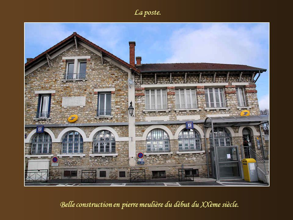 Belle construction en pierre meulière du début du XXème siècle.
