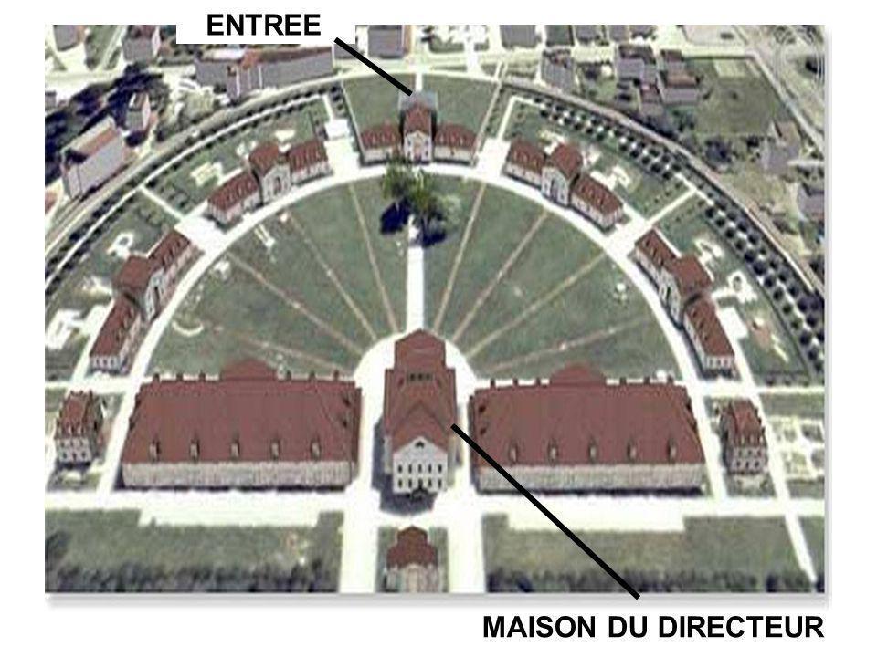ENTREE MAISON DU DIRECTEUR