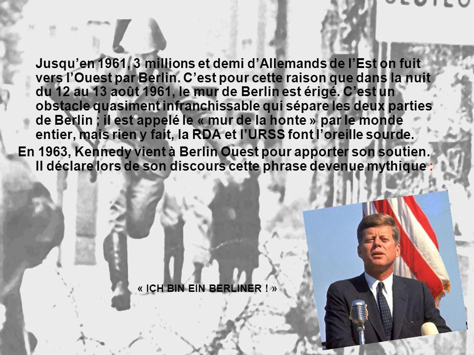 Jusqu'en 1961, 3 millions et demi d'Allemands de l'Est on fuit vers l'Ouest par Berlin. C'est pour cette raison que dans la nuit du 12 au 13 août 1961, le mur de Berlin est érigé. C'est un obstacle quasiment infranchissable qui sépare les deux parties de Berlin ; il est appelé le « mur de la honte » par le monde entier, mais rien y fait, la RDA et l'URSS font l'oreille sourde.