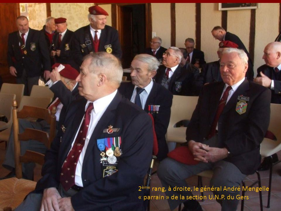 2ème rang, à droite, le général André Mengelle