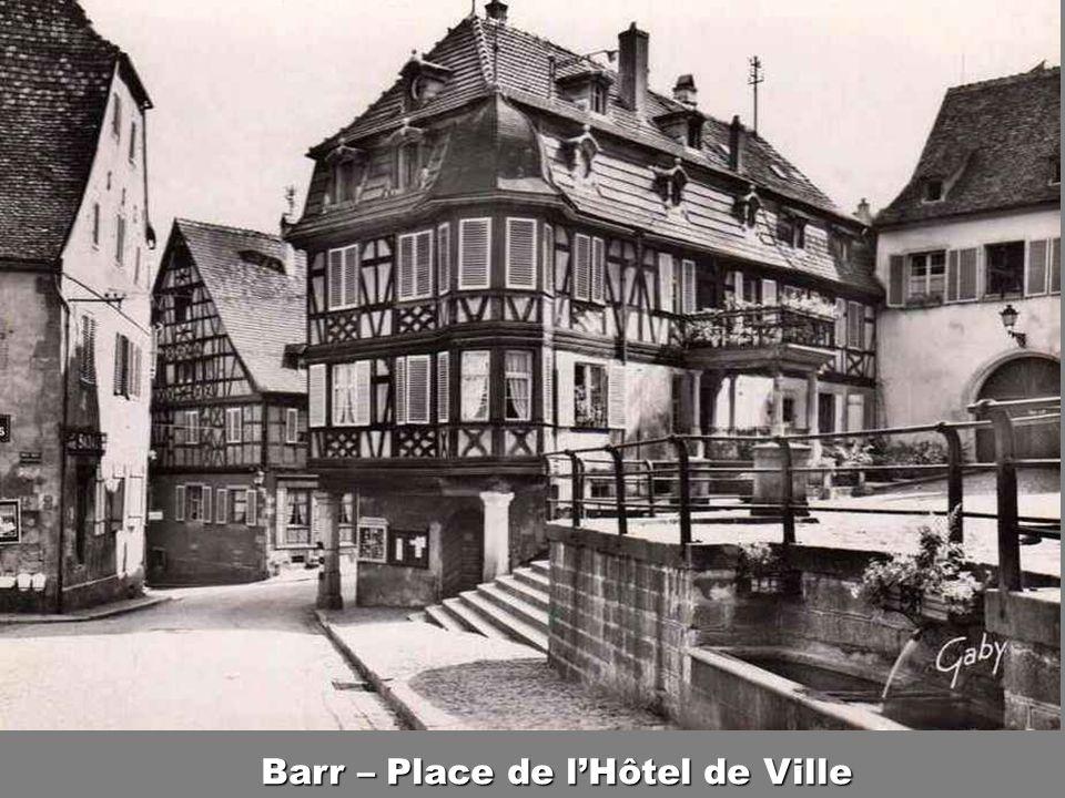 Barr – Place de l'Hôtel de Ville