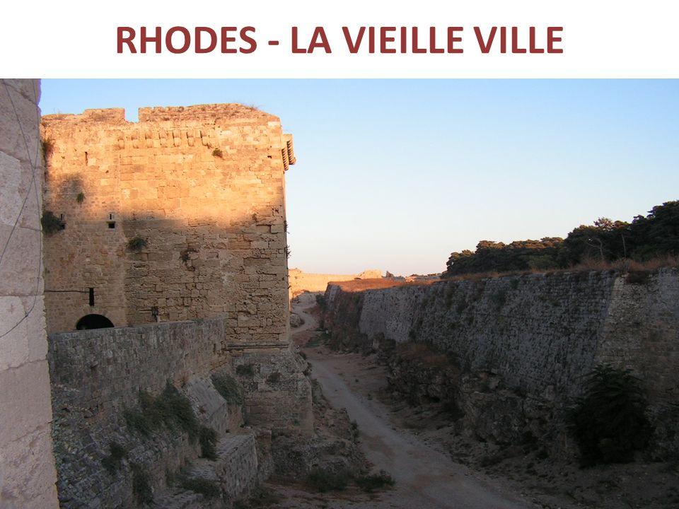 RHODES - LA VIEILLE VILLE