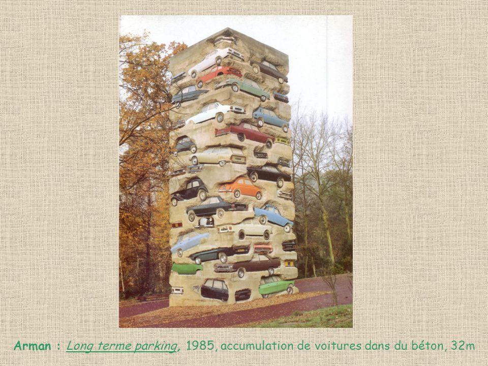 Arman : Long terme parking, 1985, accumulation de voitures dans du béton, 32m