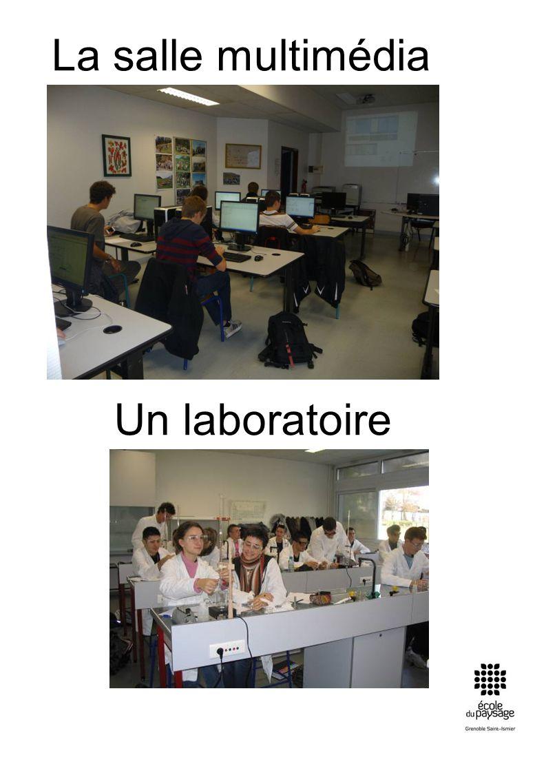 La salle multimédia Un laboratoire