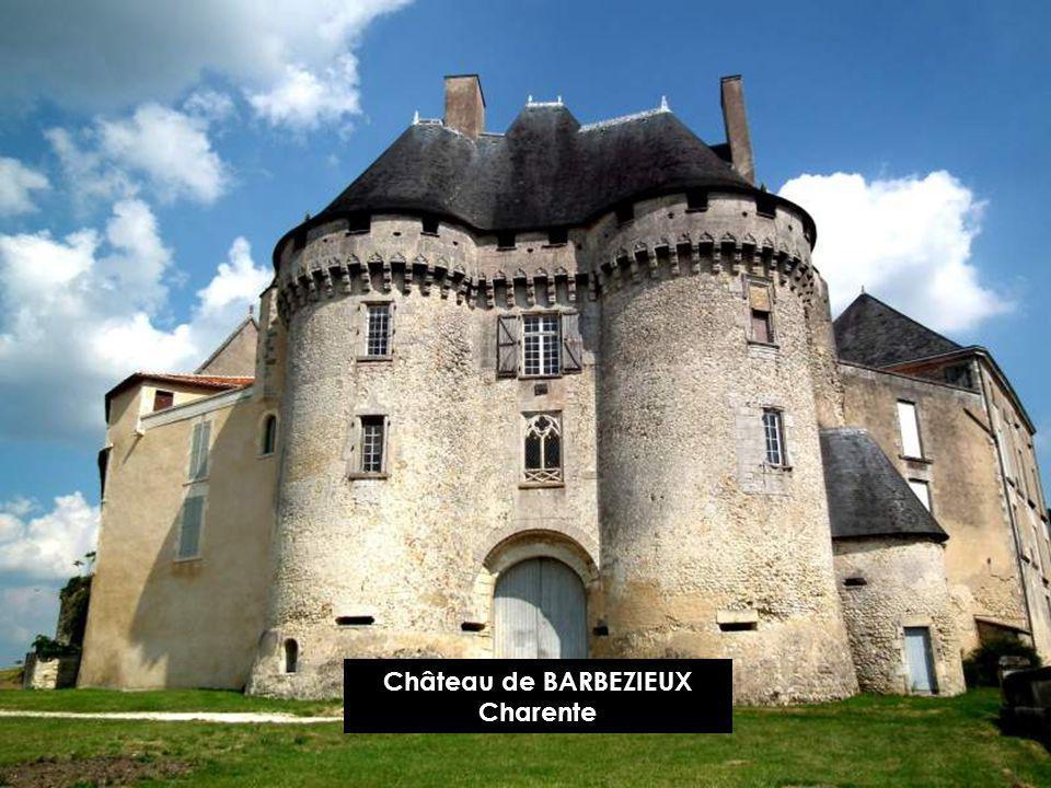 Château de BARBEZIEUX Charente