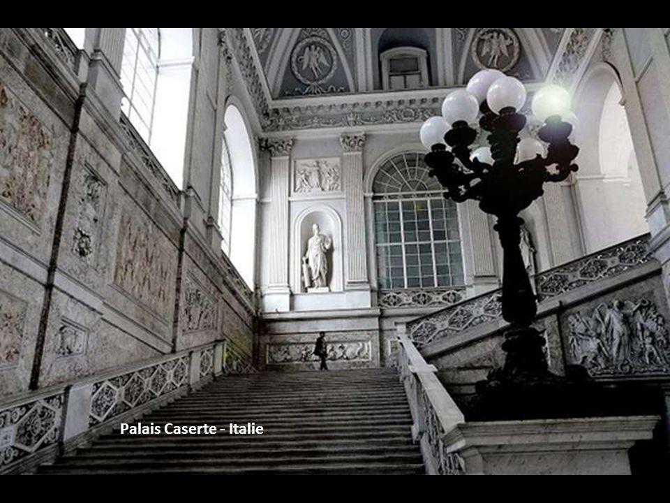 Palais Caserte - Italie