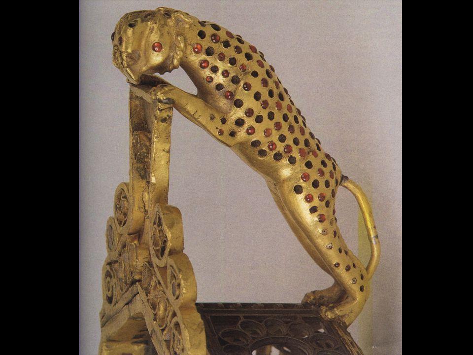 Trésor de Piétroasa. Découvert en 1837 en Roumanie dans le village de Pietroassa. 22 pièces en or