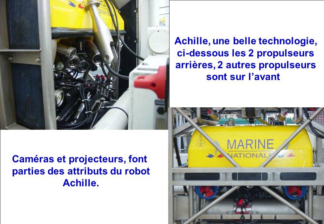 Vue arrière du robot Achille, avec ses 2 propulseurs