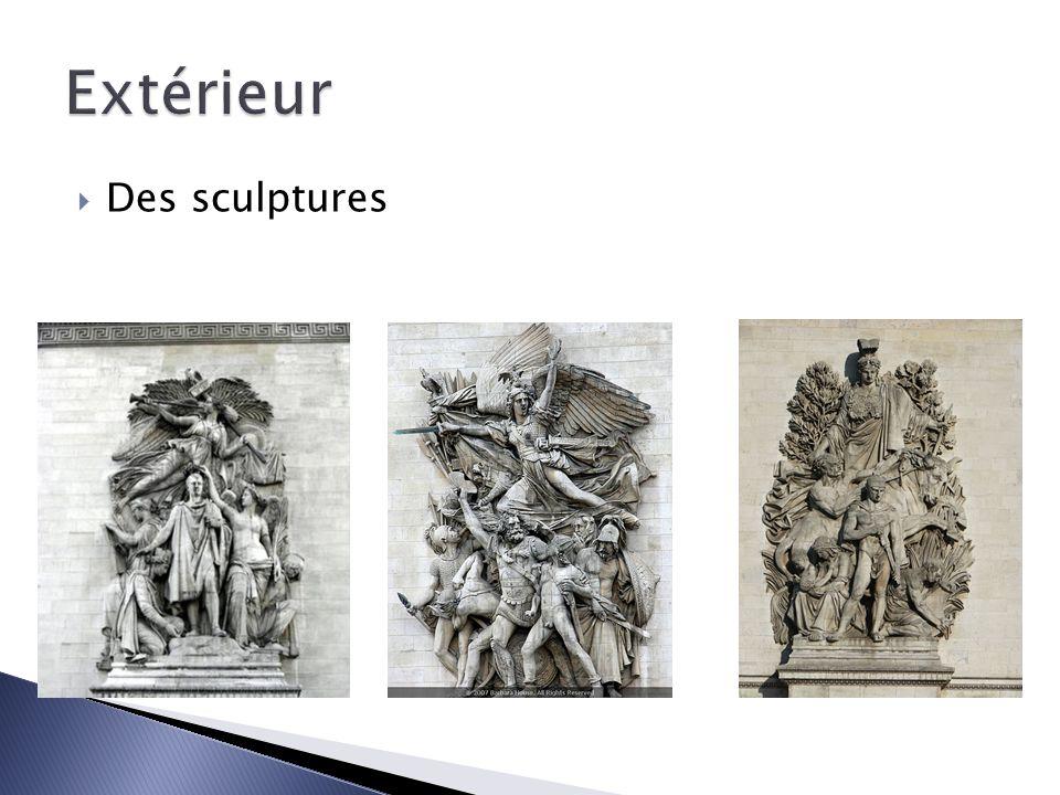 Extérieur Des sculptures