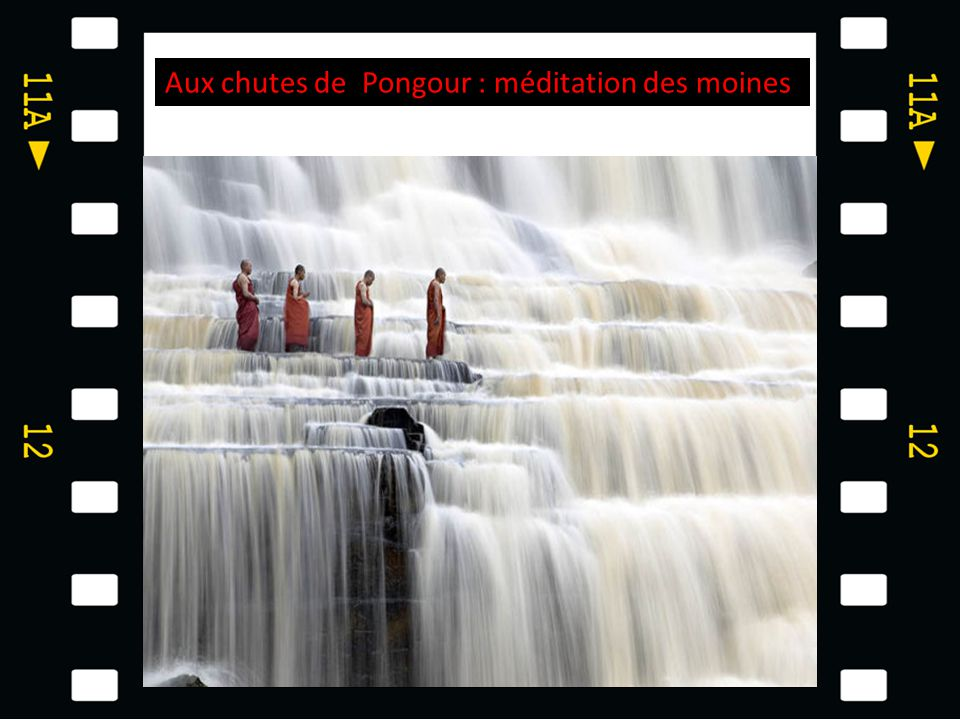 Aux chutes de Pongour : méditation des moines