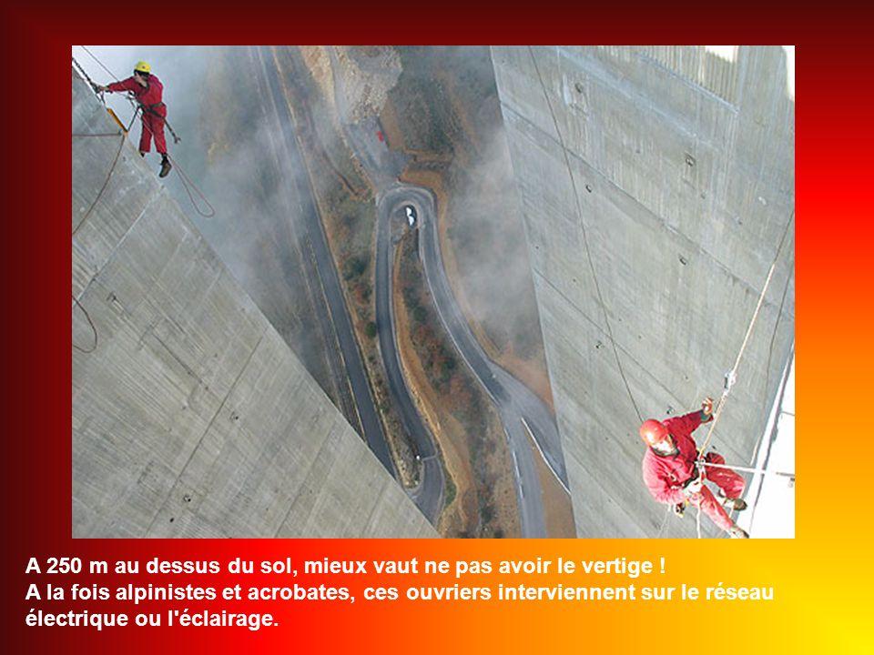 A 250 m au dessus du sol, mieux vaut ne pas avoir le vertige !