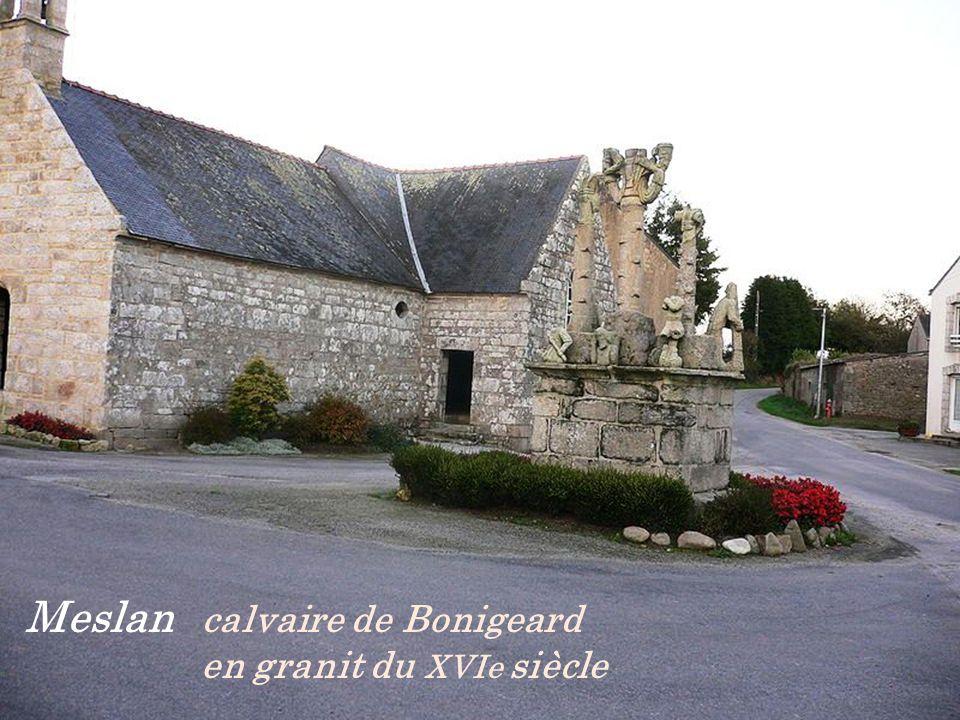 Meslan calvaire de Bonigeard . en granit du XVIe siècle