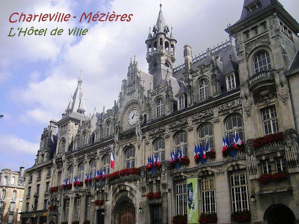 Charleville - Mézières L'Hôtel de ville