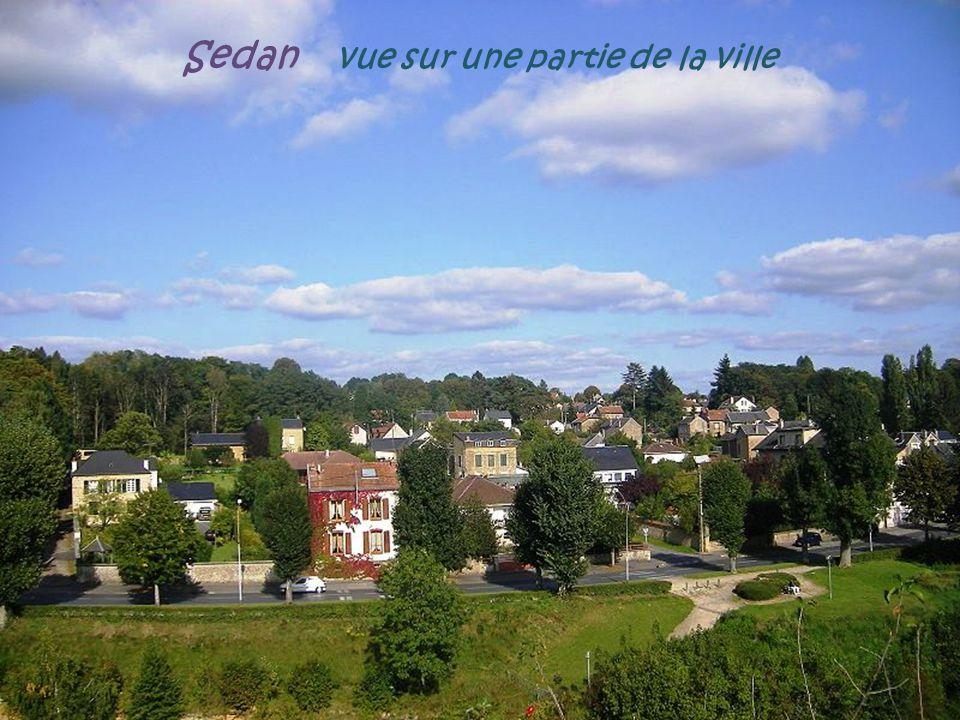 Sedan vue sur une partie de la ville