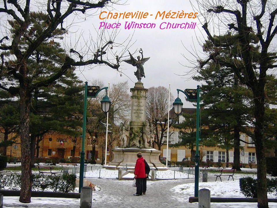Charleville - Mézières Place Winston Churchill