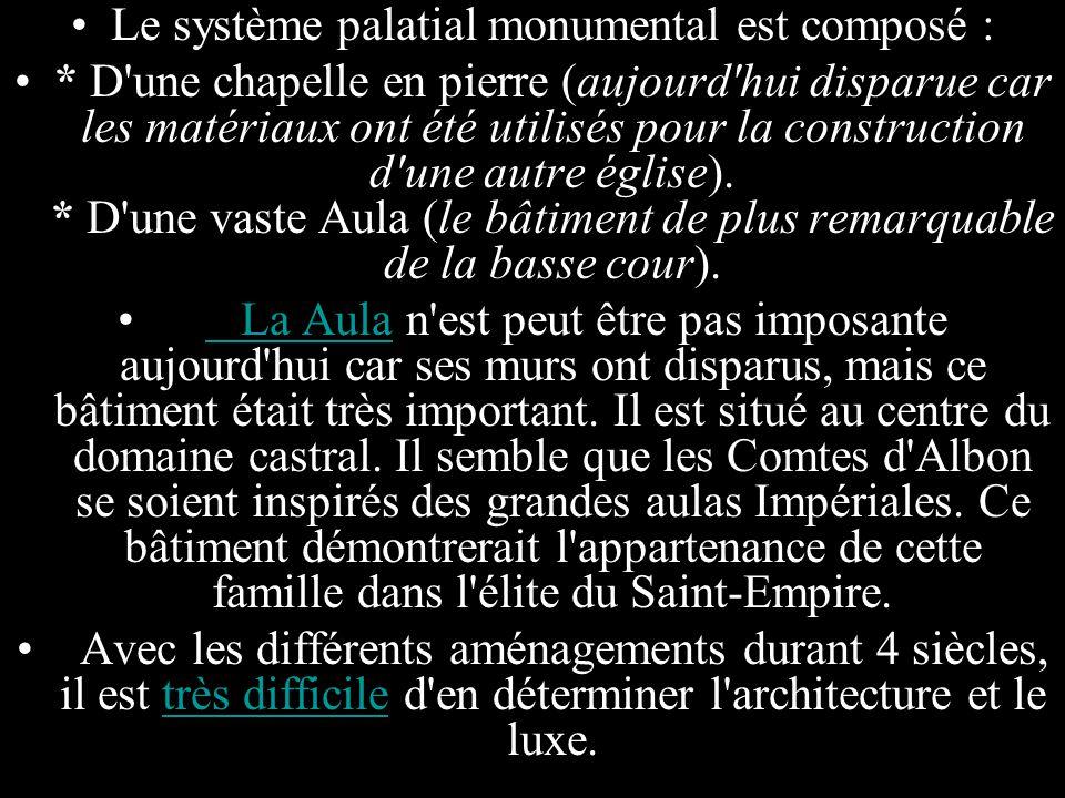 Le système palatial monumental est composé :