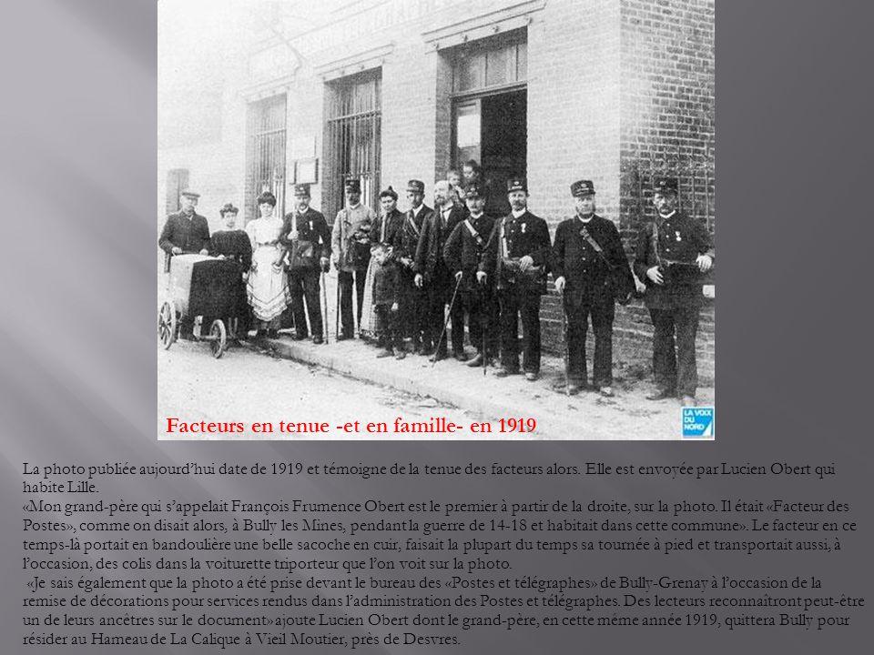 Facteurs en tenue -et en famille- en 1919