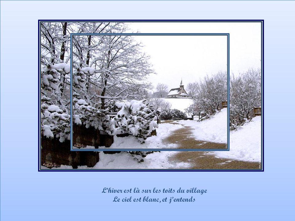 L'hiver est là sur les toits du village