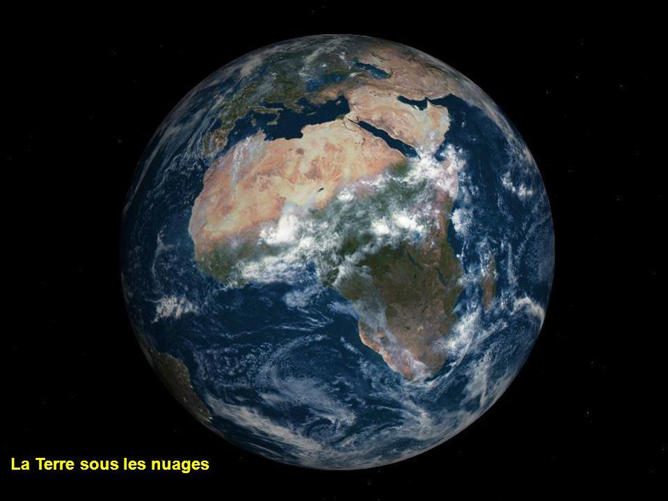 La Terre sous les nuages